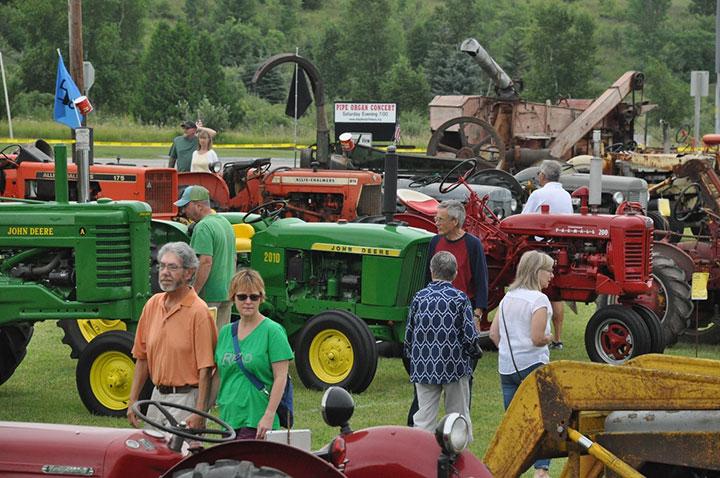 antique-tractor-festival